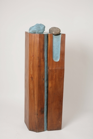 Column with Blue Line, Mahogany wood, stone, jute and paint, 1980, 29X39X121